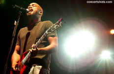 cs-Hootie&TheBlowfish1-Atlanta8803.JPG (54323 bytes)
