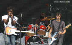 cs-BlocParty9-Atlanta61105.JPG (90429 bytes)