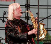 cs-EdgarWinter5-Atlanta5303.JPG (50176 bytes)