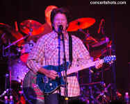 cs-JohnFogerty3-Atlanta111104.JPG (65858 bytes)