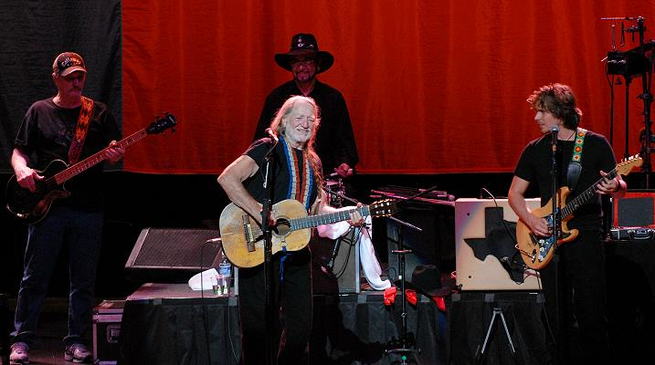 willie nelson in athens georgia 2010. Black Bedroom Furniture Sets. Home Design Ideas